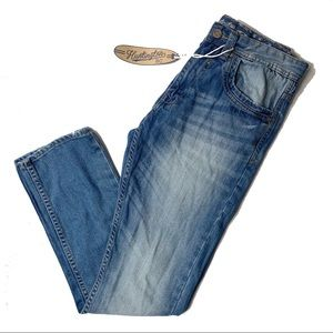Huntington Beach Club Jeans Lightly Distressed 30